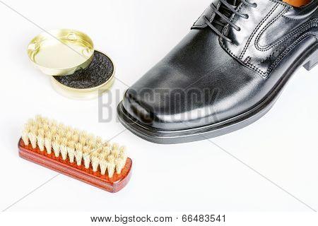 Classic Black Men's Shoe, Boot Polish And Brush