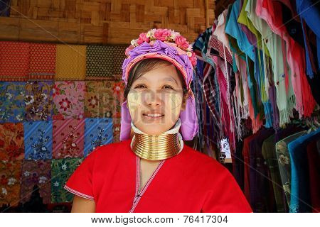 Karen Long Neck Woman
