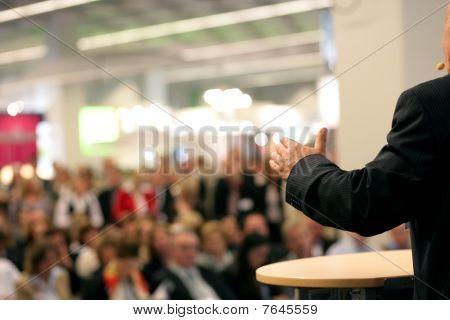 Redner in der Öffentlichkeit