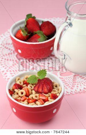 Honig Getreide mit Erdbeeren
