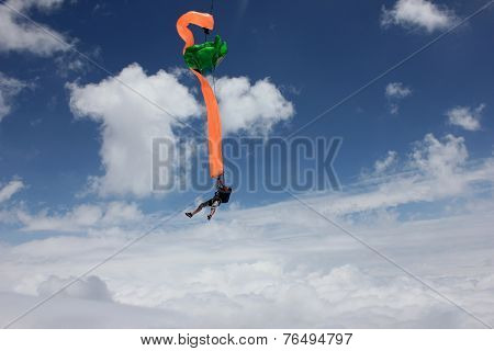 Skydiver deploys his parachute