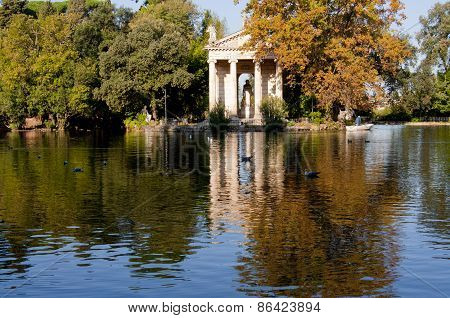 Lake of Villa Borghese In Rome