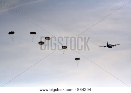 Parachute jumpers