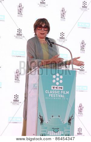 LOS ANGELES - MAR 27:  Shirley MacLaine at the Christopher Plummer Hand and Foot Print Ceremony at the TCL Chinese Theater on March 27, 2015 in Los Angeles, CA