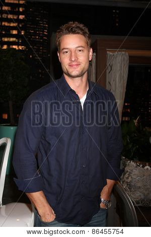 LOS ANGELES - MAR 26:  Justin Hartley at the Young & Restless 42nd Anniversary Celebration at the CBS Television City on March 26, 2015 in Los Angeles, CA