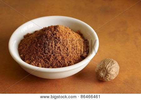 Nutmeg whole and ground
