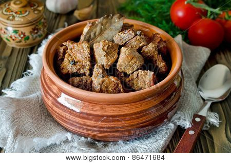 Beef Stew With Bay Leaf And Pepper