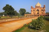 picture of mughal  - Tomb of Safdarjung in New Delhi India - JPG