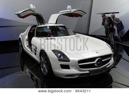 Mercedes Sls Amg At Paris Motor Show