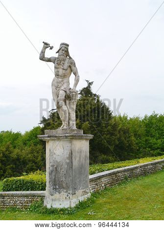 A sculpture in the graden of the villa Maser