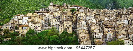 Scanno - beautiful authentic village in Abruzzo. Italy