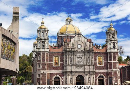 New And Old Basilica Shrine Of Guadalupe Christmas Day Mexico City Mexico