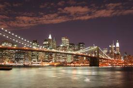 picture of brooklyn bridge  - brooklyn bridge and manhattan skyline at night - JPG