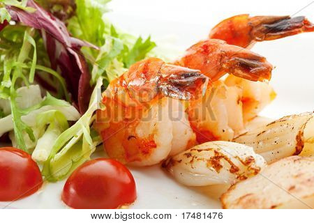 Grilled Foods - Seafood with Fresh Salad