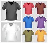 Постер, плакат: Фотореалистичные векторные иллюстрации Цветные футболки с воротниками треугольник