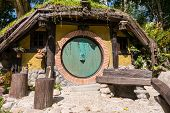 Постер, плакат: The Hobbit House