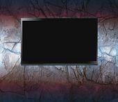 foto of high-def  - Flat screen on a wall - JPG
