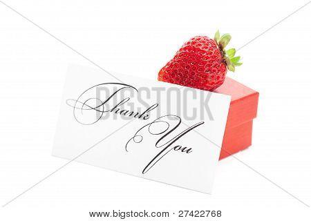 Rote Geschenk-Box, Dankeschön-Karte, Erdbeeren, isoliert auf weiss