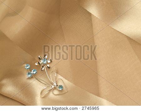 Broach Silk