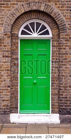 Porta verde.