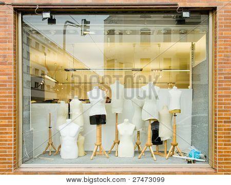 Maniquíes en una tienda de moda