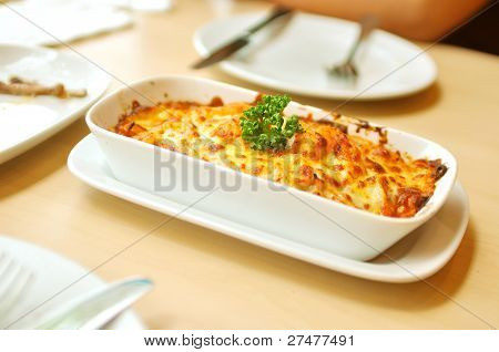 Baked Spaghetti Cheesy Shrimp