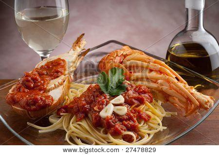 Hummer Spaghetti mit Tomatensauce