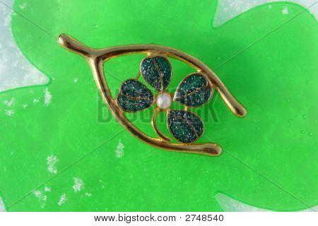 Shamrock Wishbone Irish Pin