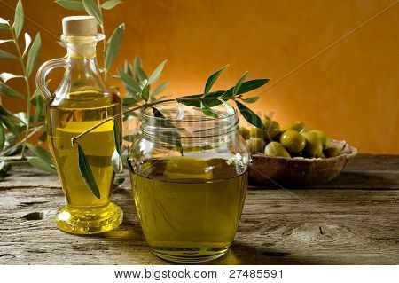 pot of olive oil