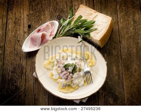 ravioli with ham, sage and cream sauce