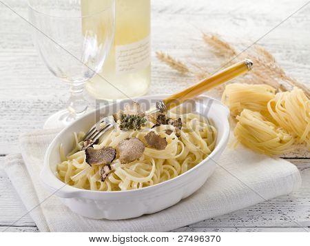 tagliatelle with truffle and cream sauce