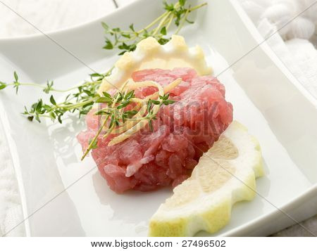 tuna tartar with lemon and thymus
