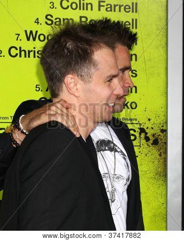 """LOS ANGELES - 30 de OCT: Sam Rockwell, Colin Farrell en el estreno de """"Siete psicópatas"""" en Bruin el"""