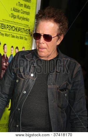 """LOS ANGELES - 30 de OCT: Tom Waits en el estreno de """"Siete psicópatas"""" en el teatro de Bruin el 30 de octubre"""