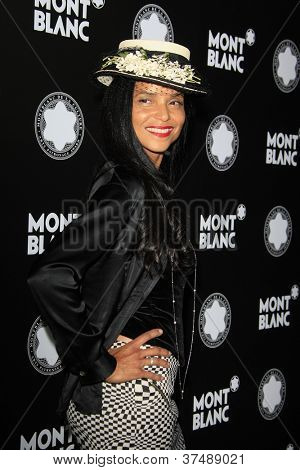 LOS ANGELES - OCT 2: Victoria Rowell at the Montblanc 2012 Montblanc De La Culture Arts Gala honoring Quincy Jones at Chateau Marmont on October 2, 2012 in Los Angeles, California