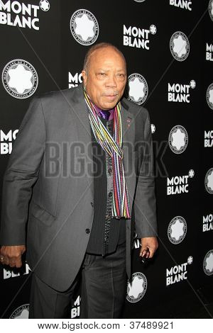 LOS ANGELES - OCT 2:  Quincy Jones arrives at the 2012 Montblanc De La Culture Arts Gala at Chateau Marmont on October 2, 2012 in Los Angeles, CA