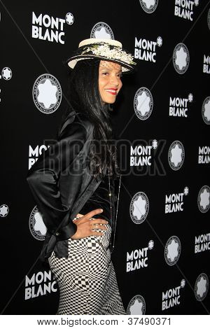 LOS ANGELES - OCT 2:  Victoria Rowell arrives at the 2012 Montblanc De La Culture Arts Gala at Chateau Marmont on October 2, 2012 in Los Angeles, CA