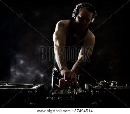 Dark Beats - DJ Mixing