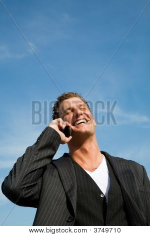 caucasian Businessman am Telefon