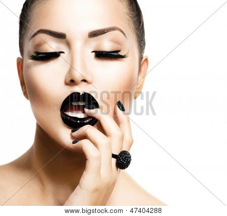 Beauty Vogue Style Fashion Model Girl with Long Lushes, Black Manicure and Lipstick.  Fashion Trendy Caviar Black Manicure. Nail Art. Passion