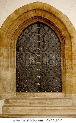 Puertas góticas del hierro