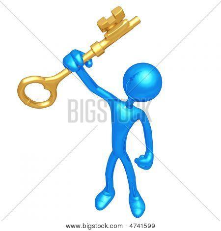 Sosteniendo en la mano una llave de oro