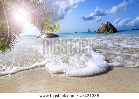 La Digue Island, Seyshelles, Anse Source D'argent. Sailing Yacht