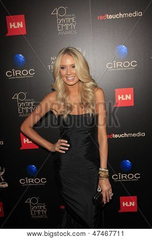 BEVERLY HILLS - JUN 16: Melissa Ordway at the 40th Annual Daytime Emmy Awards at The Beverly Hilton Hotel on June 16, 2013 in Beverly Hills, California