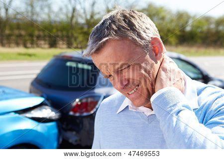 Motorista sofre de Whiplash após colisão de trânsito