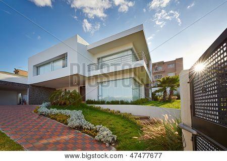 Grande casa moderna