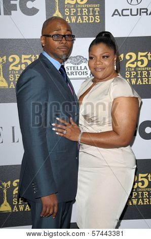 Mo'Nique and husband Sidney Hicks at the 25th Film Independent Spirit Awards, Nokia Theatre L.A. Live, Los Angeles, CA. 03-06-10