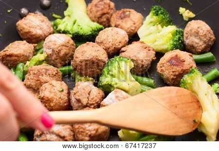 Meatballs, Broccoli And Spinach Stir-fried