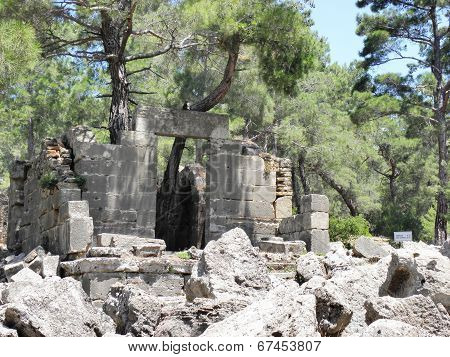 Remains of Buleuterion of Seleukeia Libre.