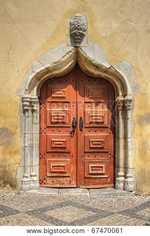 Portal Lateral Da Igreja De S. João Batista